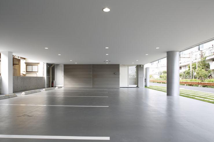 1F駐車場スペース 白根博紀建築設計事務所 オフィスビル