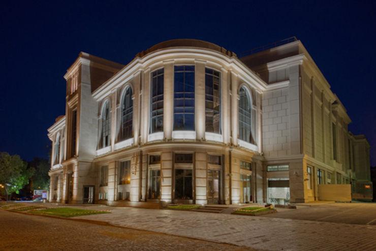 Velikan Park Center Disano illuminazione spa Complesso d'uffici in stile classico