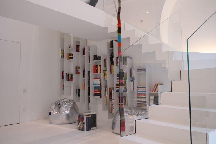 angolo gioco Serenella Pari design Ingresso, Corridoio & Scale in stile minimalista