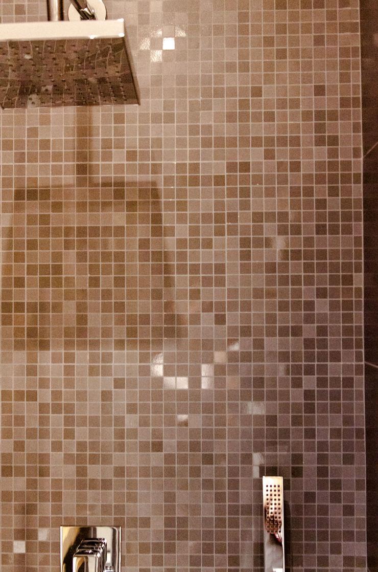 Rivestimento del box doccia Fluido Design Studio Bagno moderno
