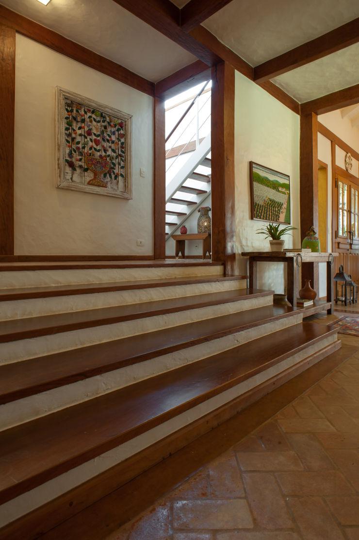 PM Arquitetura Koridor & Tangga Gaya Rustic