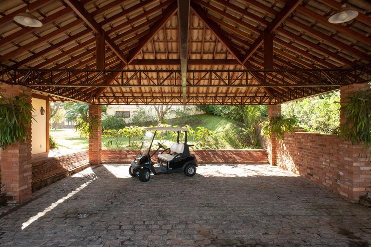 Jaguariuna PM Arquitetura Garagens e edículas rústicas