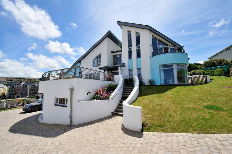 The Sea House, Porth, Cornwall The Bazeley Partnership Villa
