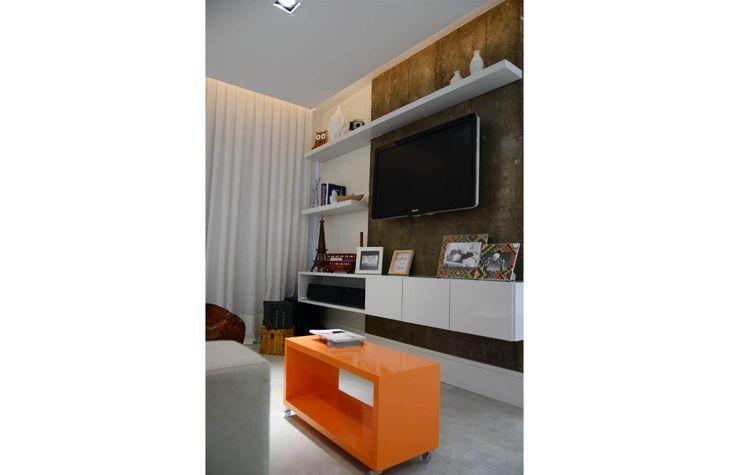 homify Moderne Wohnzimmer Weiß