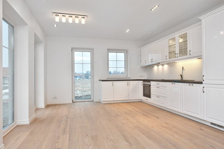 «HouseProjects Ltd.» Klassische Küchen