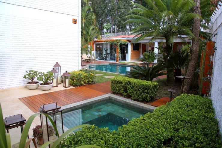 MeyerCortez arquitetura & design Modern pool