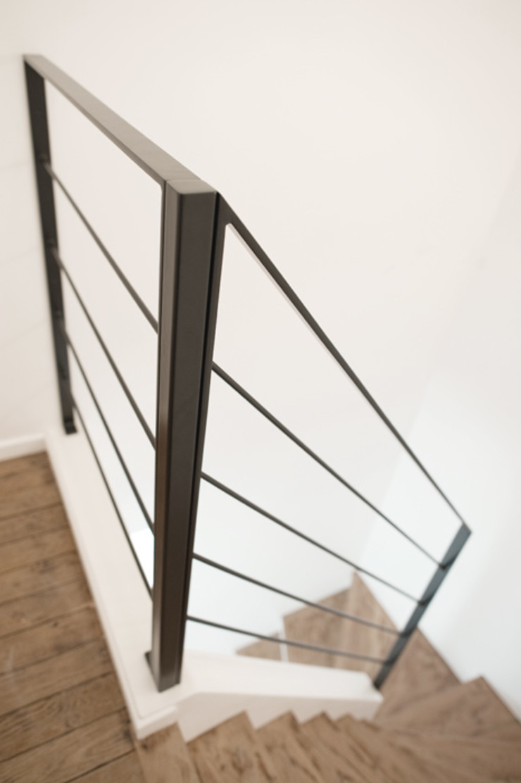 Yeme + Saunier Corridor, hallway & stairs Stairs