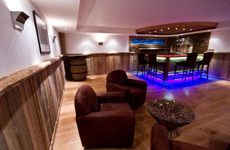 Chalet Chardon - salle de jeux et bar shep&kyles design Cave à vin rurale
