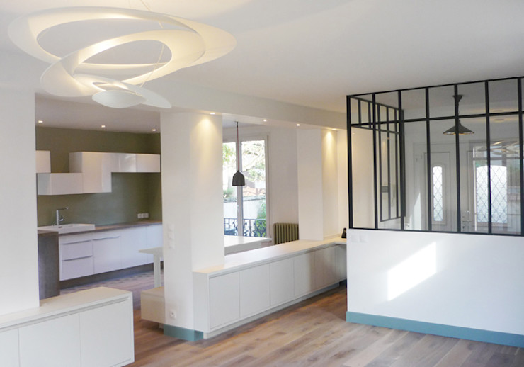 Yeme + Saunier Minimalist living room