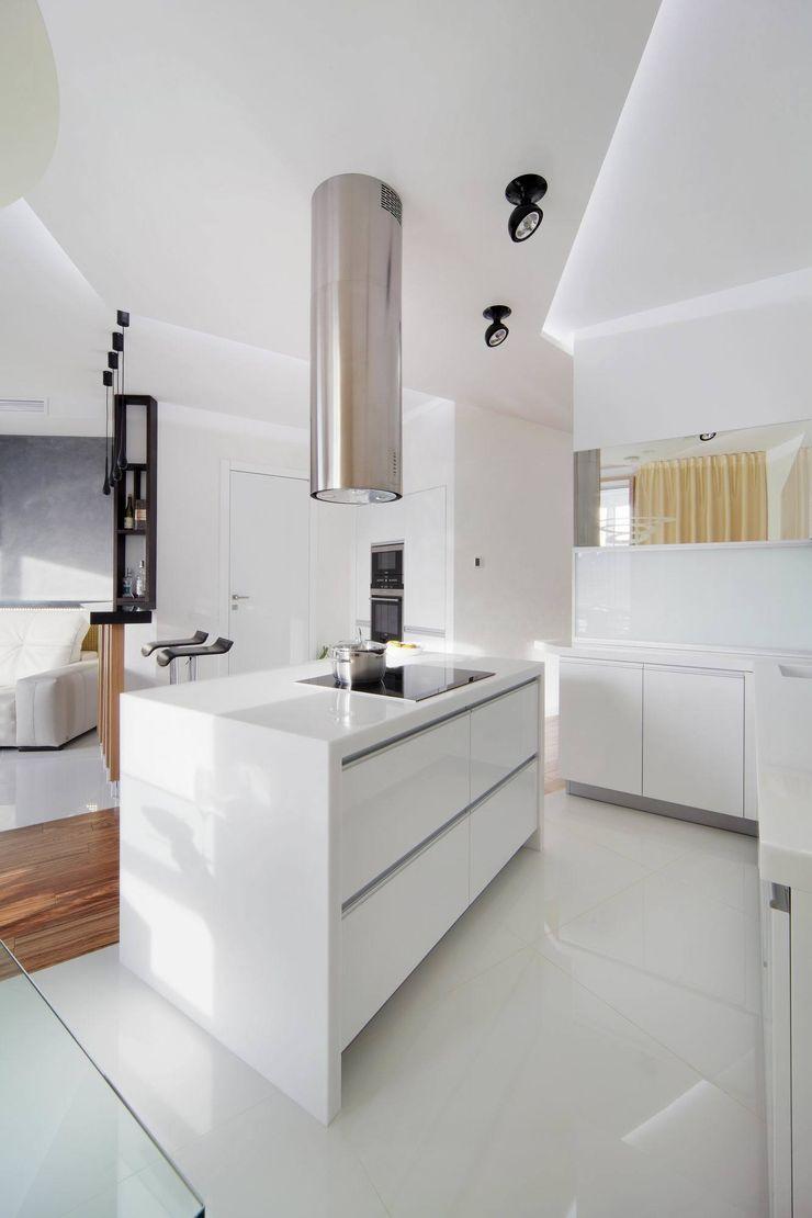 Галина Глебова Cocinas de estilo minimalista