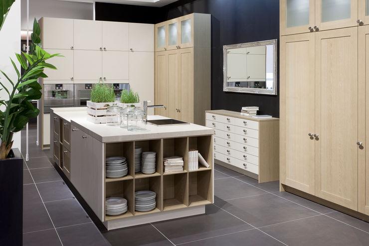 Edle Küche von Pronorm Küchenwerkstatt Josef Kriener Mediterrane Küchen