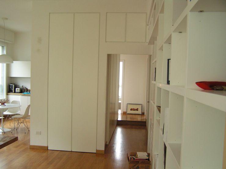 Ingresso Arch. Silvana Citterio Ingresso, Corridoio & Scale in stile moderno