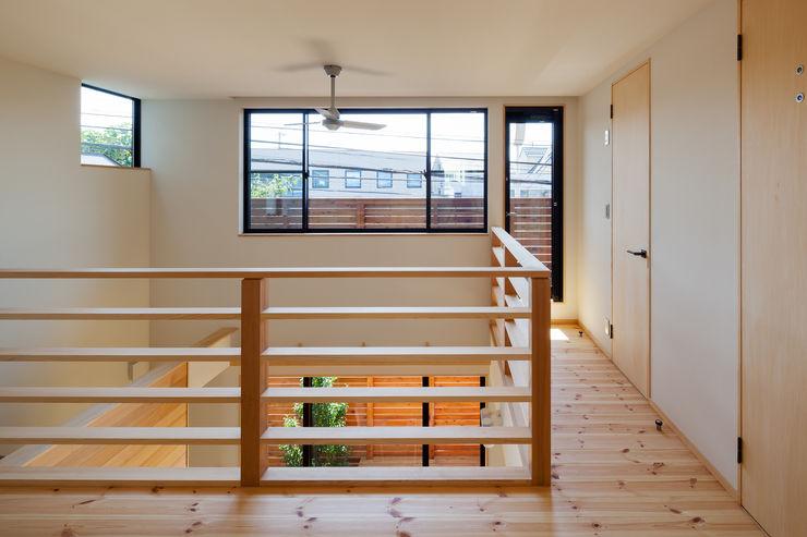 三橋の家 株式会社山岡建築研究所 モダンスタイルの 玄関&廊下&階段