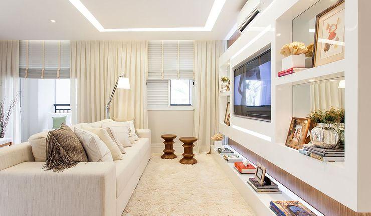 SESSO & DALANEZI Modern style media rooms