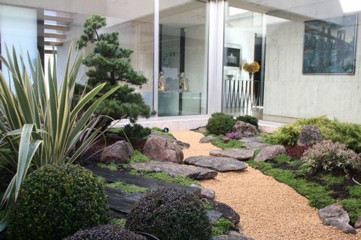 Jardin japones con Niwaki Jardines Japoneses -- Estudio de Paisajismo Jardines japoneses
