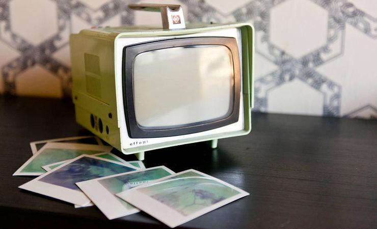 Spaghetticreative ВітальняПідставки для телевізорів та шафи