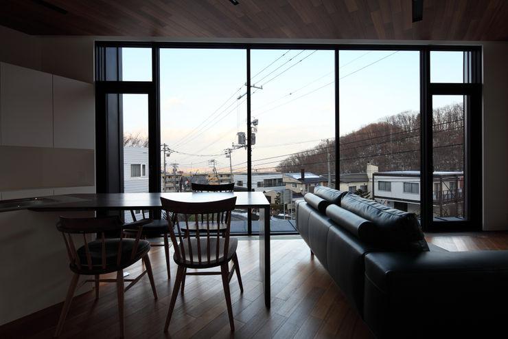株式会社コウド一級建築士事務所 Modern living room