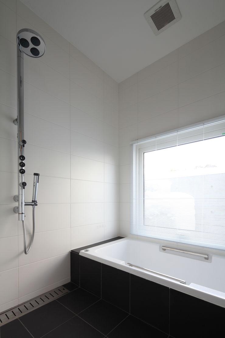 株式会社コウド一級建築士事務所 Modern bathroom