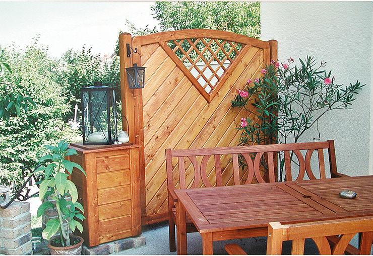 Creativ Sichtschutz Terrasse BEGO Holz und Stahl Klassischer Balkon, Veranda & Terrasse