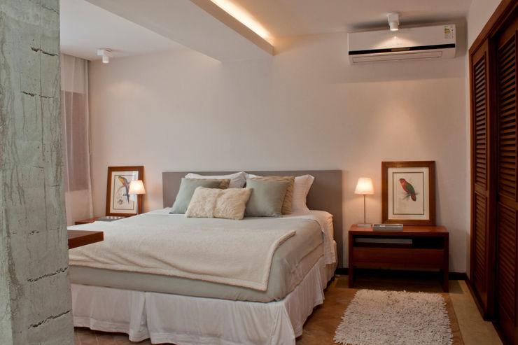 Renata Romeiro Interiores Dormitorios de estilo moderno