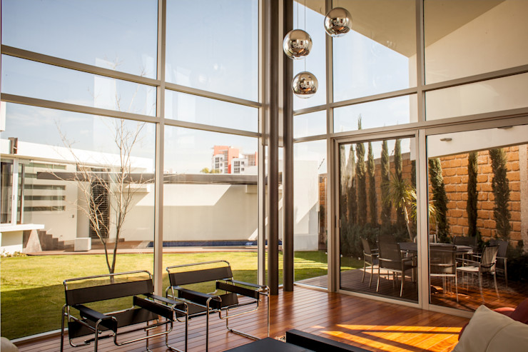 GRUPO VOLTA Modern living room