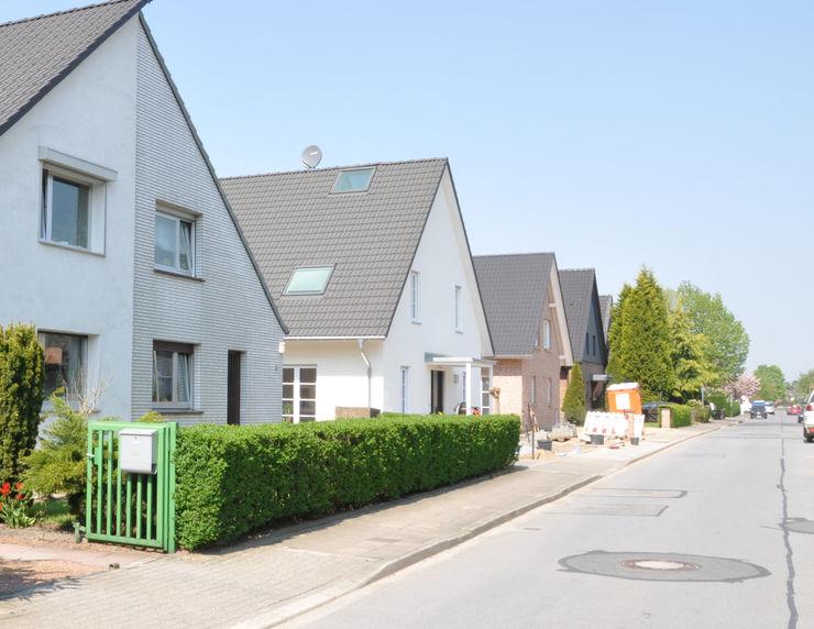 Straßenansicht arieltecture Gesellschaft von Architekten mbH BDA Landhäuser