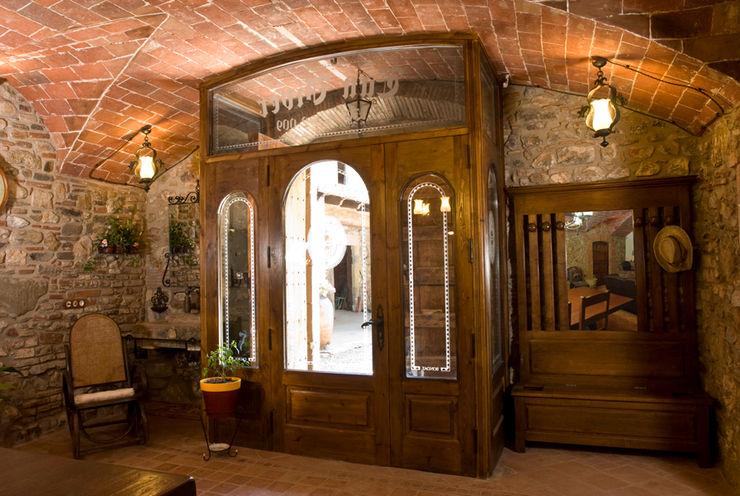 Puigdesens fusteria interiorisme Окна и двери в рустикальном стиле