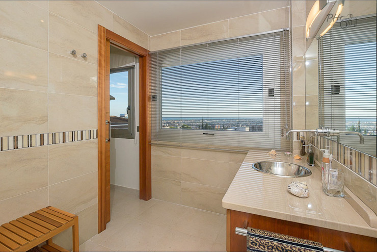 Per Hansen Modern bathroom
