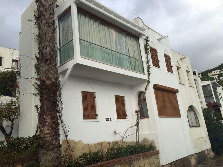 ARCHES DESIGN Minimalistischer Balkon, Veranda & Terrasse