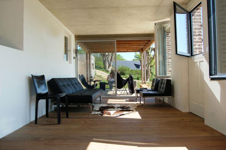 Franklin Azzi Architecture Moderner Balkon, Veranda & Terrasse