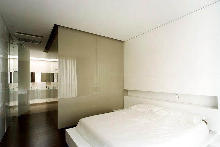 Massimo Zanelli architetto Modern style bedroom
