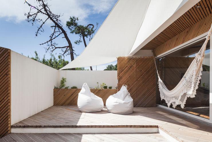 SilverWoodHouse Joao Morgado - Architectural Photography Modern balcony, veranda & terrace