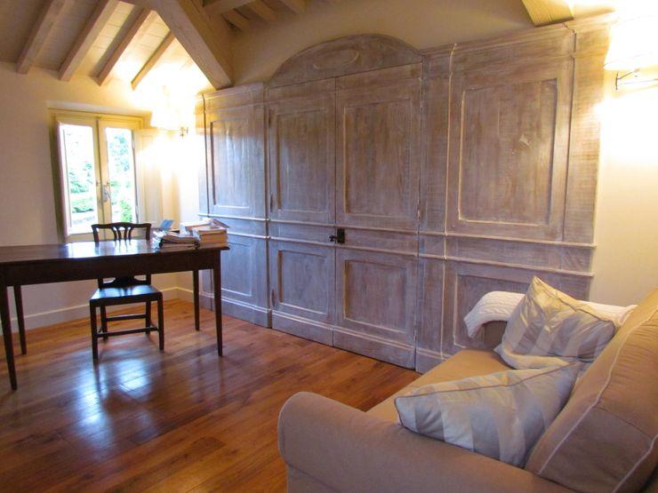 Progetto di una villa: arredo su misura elegante e moderno Garden House Lazzerini Camera da lettoArmadi & Cassettiere