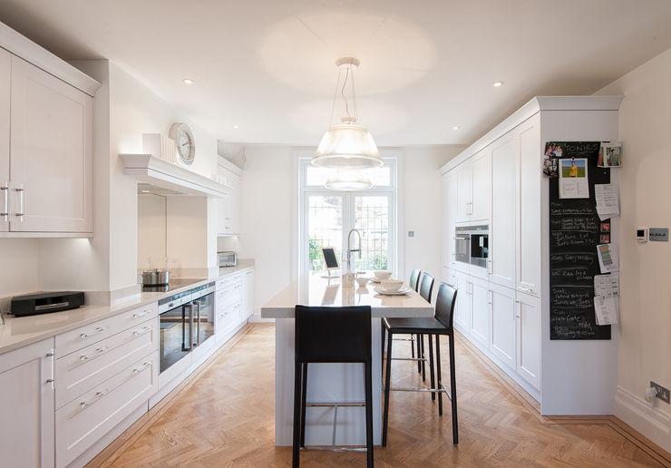 Traditional meets contemporary white kitchen Urban Myth Kitchen