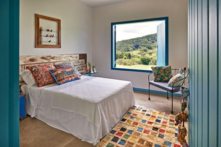 Beth Marquez Interiores Rustic style bedroom