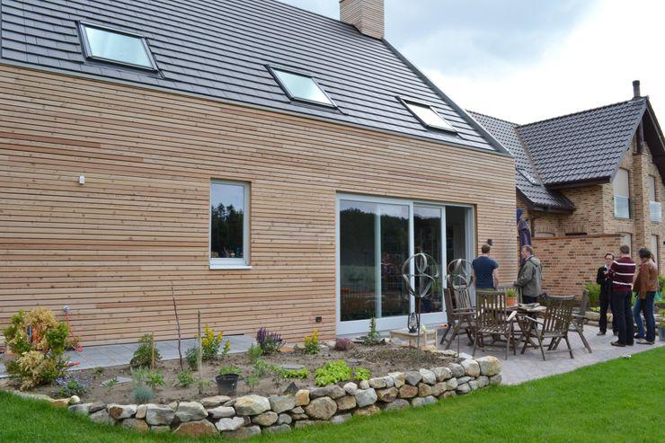 Gartenseite arieltecture Gesellschaft von Architekten mbH BDA Holzhaus