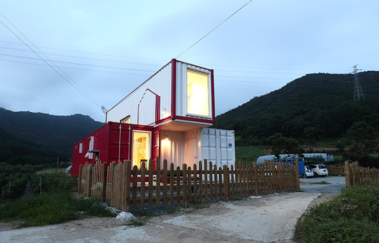 Volumetric Entrance thinkTREE Architects and Partners Casas de estilo moderno