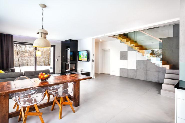 COCO Pracownia projektowania wnętrz Minimalist dining room