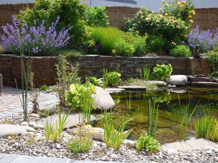 Teich Gärten für Auge und Seele Mediterraner Garten