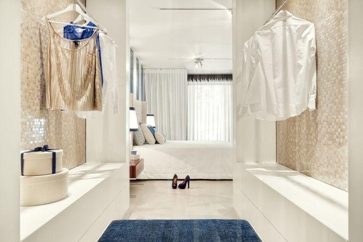 Catarina Batista Studio Modern style bedroom