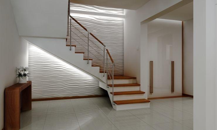 Dom pod Warszawą ZAWICKA-ID Projektowanie wnętrz Nowoczesny korytarz, przedpokój i schody