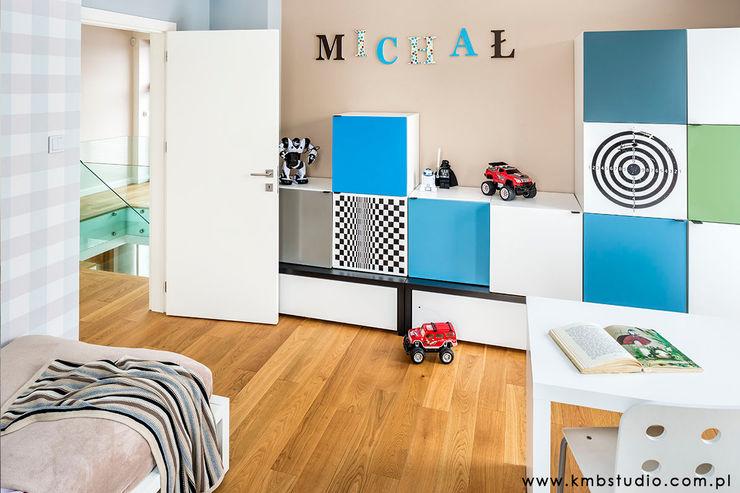 dom Kryspinów kmb studio Nowoczesny pokój dziecięcy