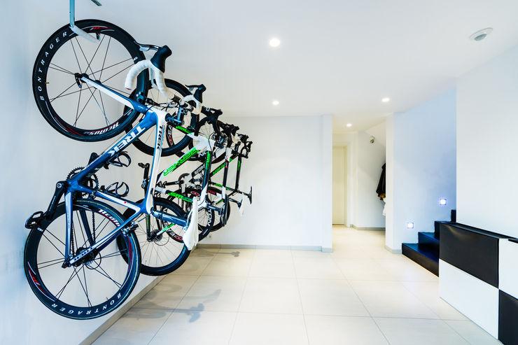 casaio | smart buildings Modern garage/shed