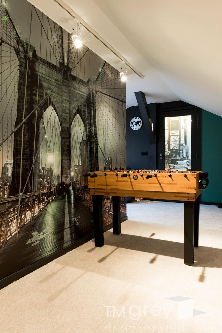 Classic Design – 230m2 TiM Grey Interior Design Nowoczesny pokój multimedialny