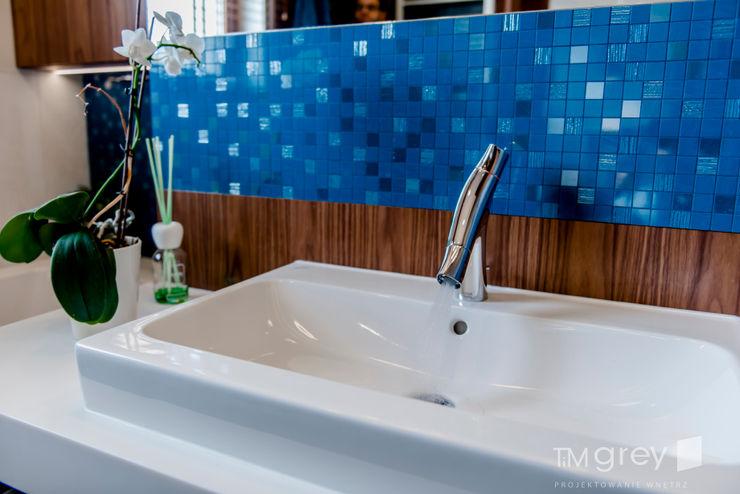 TiM Grey Interior Design Ванна кімнатаФітинги