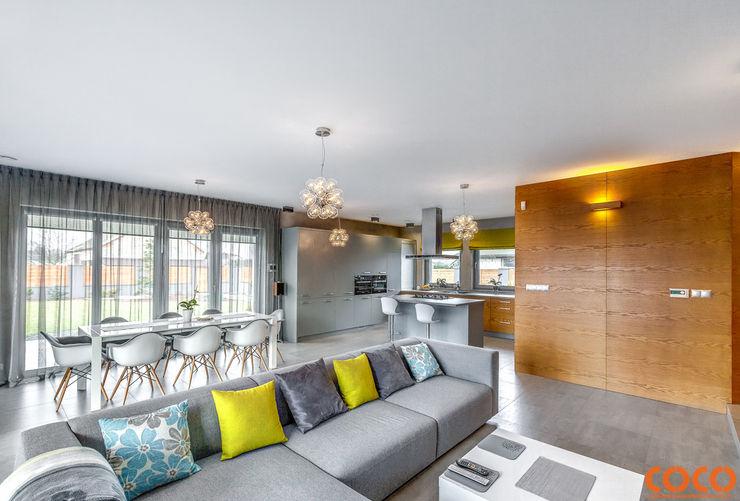 COCO Pracownia projektowania wnętrz Minimalistische Wohnzimmer