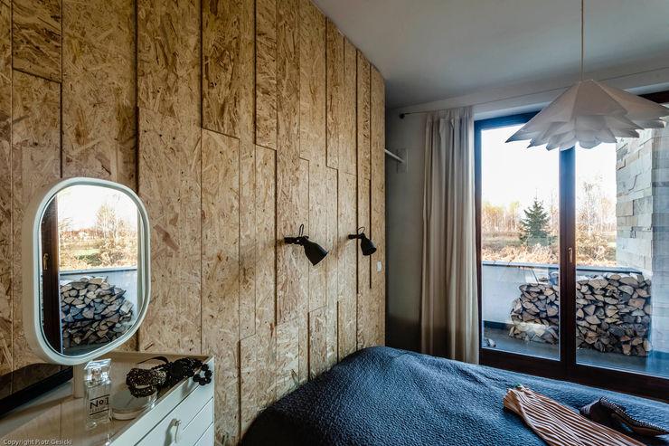 Apartment w Libertowie pod Krakowem Biuro Projektowe Pióro Minimalistyczna sypialnia