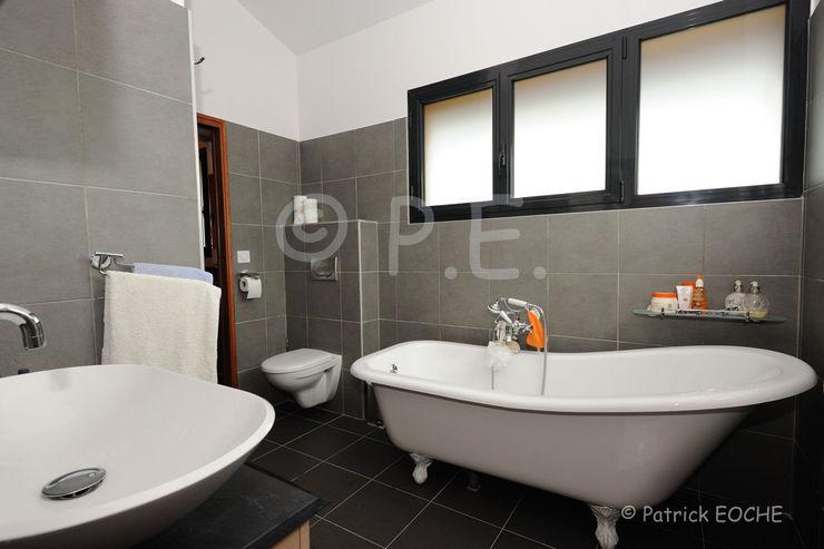 patrick eoche Photographie d'architecture Modern style bathrooms