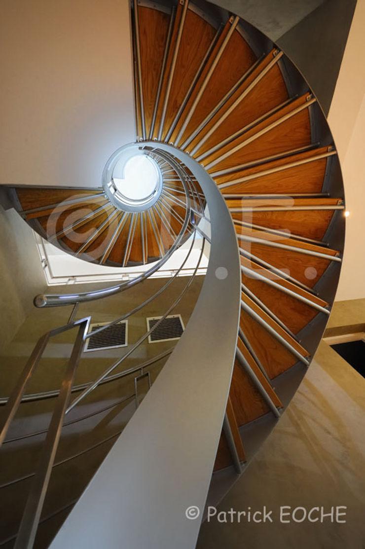 patrick eoche Photographie d'architecture Modern corridor, hallway & stairs