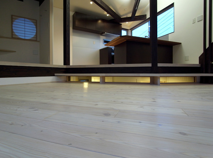 扇翁 充総合計画 一級建築士事務所 モダンスタイルの 玄関&廊下&階段